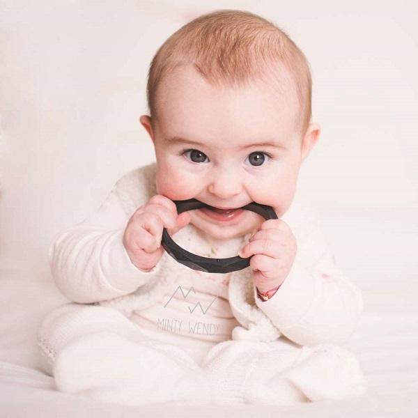 Colomba teething bracelet for mum, black – MintyWendy